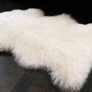 NWT♡ Ultra Soft white  rug or cover photo☆SALE☆